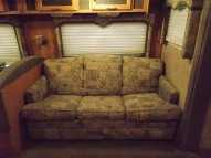 0946couch